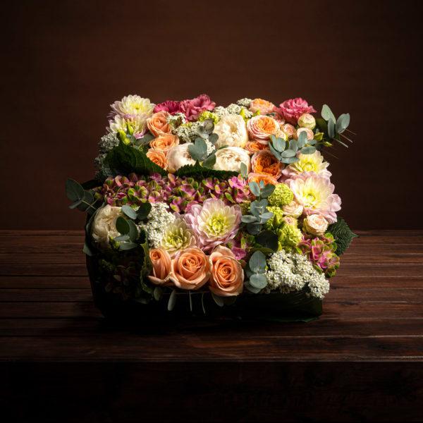 jane-luce-bouquets-deuil-coussin-carre-1