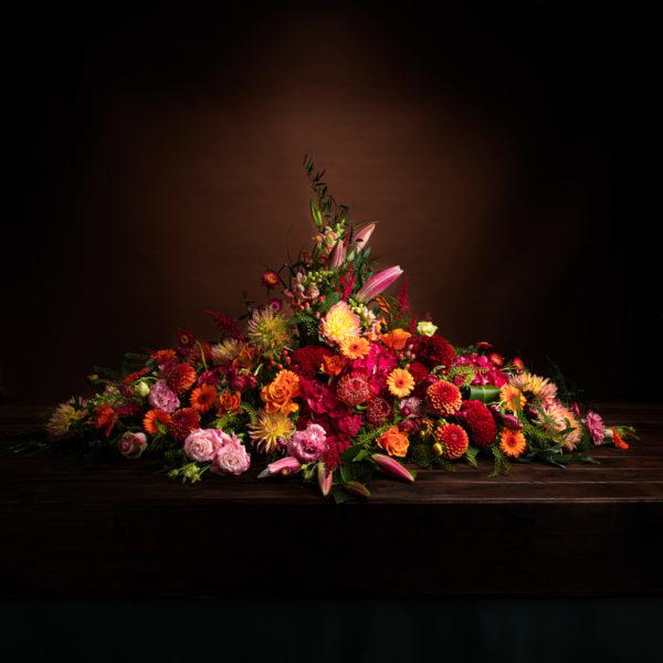 jane-luce-bouquets-deuil-dessus-cercueil-1