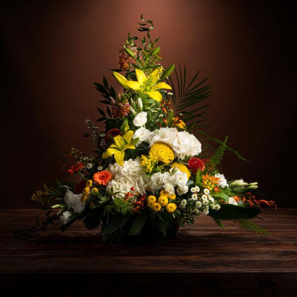 jane-luce-bouquets-deuil-devant-tombe-1